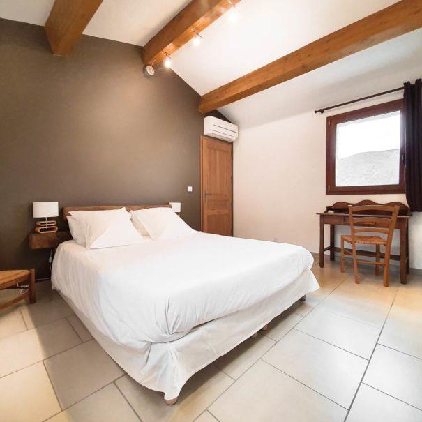 """Chambre R+1 """"Castagna"""", maison d'hôtes Zella, Corse"""
